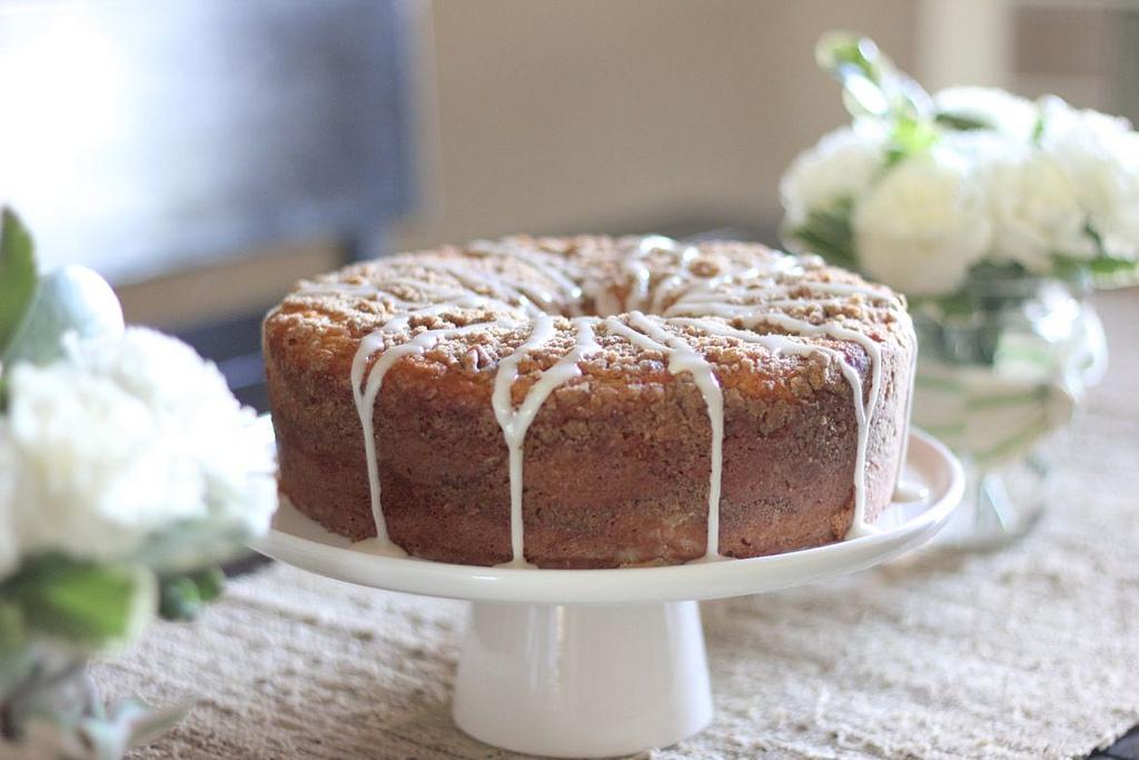 Greek Yogurt Coffee Cake - Lovely Little Kitchen
