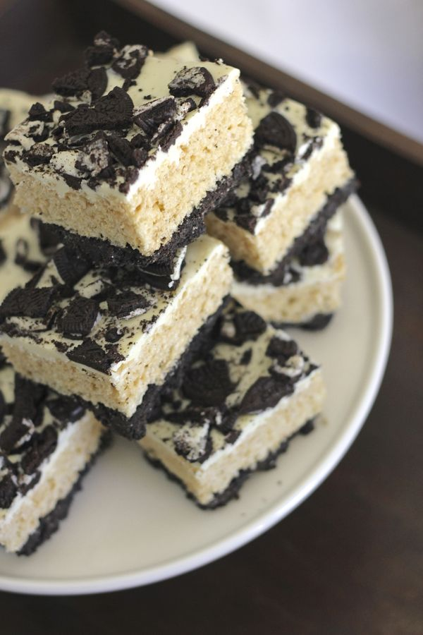 Cookies and Cream Rice Krispie Treats - Lovely Little Kitchen