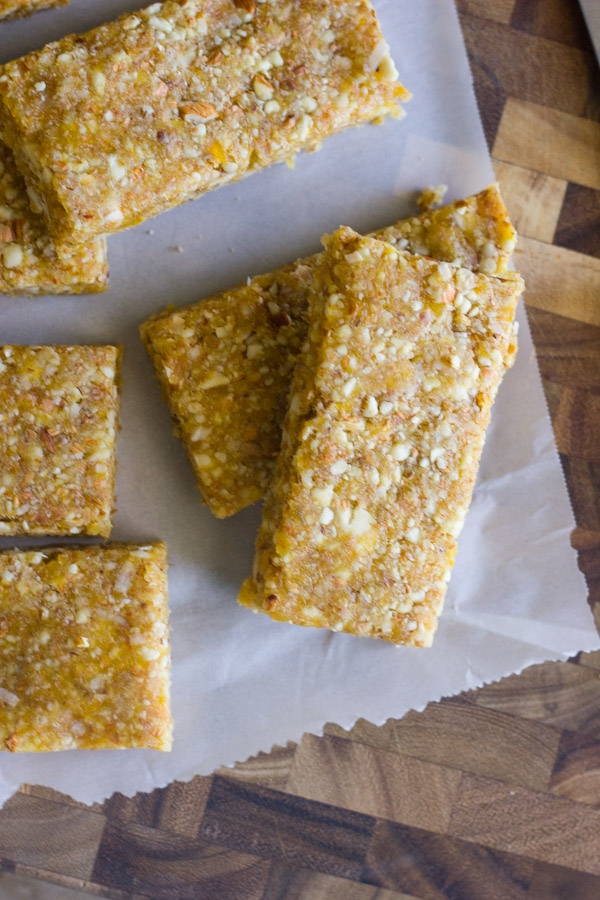 No Bake Apricot Almond Bars - so easy to make and very healthy too!