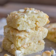 White Chocolate Macadamia Nut Bars - these bars are soft & buttery with the classic white chocolate and macadamia nut combination