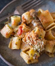 cheesy-tomato-alfredo-pasta-bake-5
